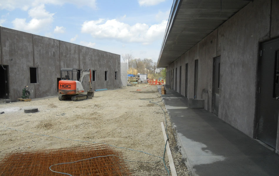 Construction of behind the scenes facilities for zoo exhibit