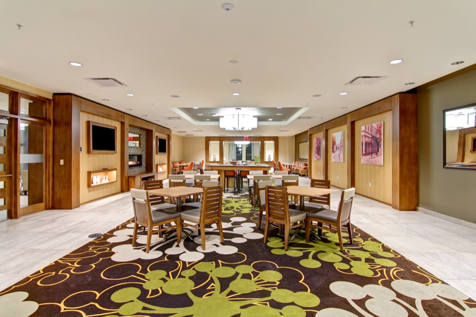 Hampton Inn & Homewood Suites seating area