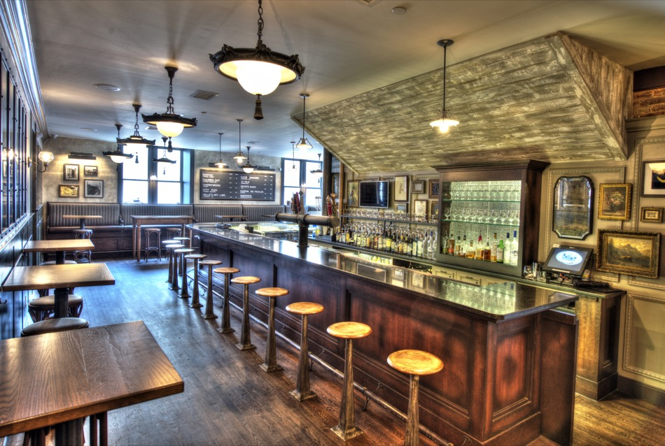 Taft's Ale House bar