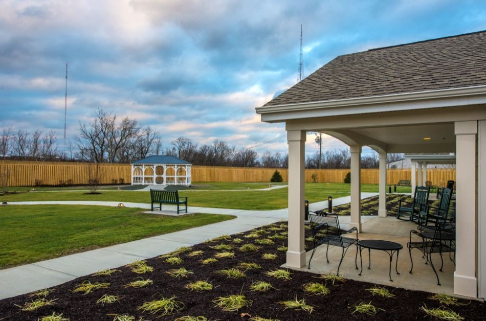 Artis Senior Living of Mason exterior gardens and patio