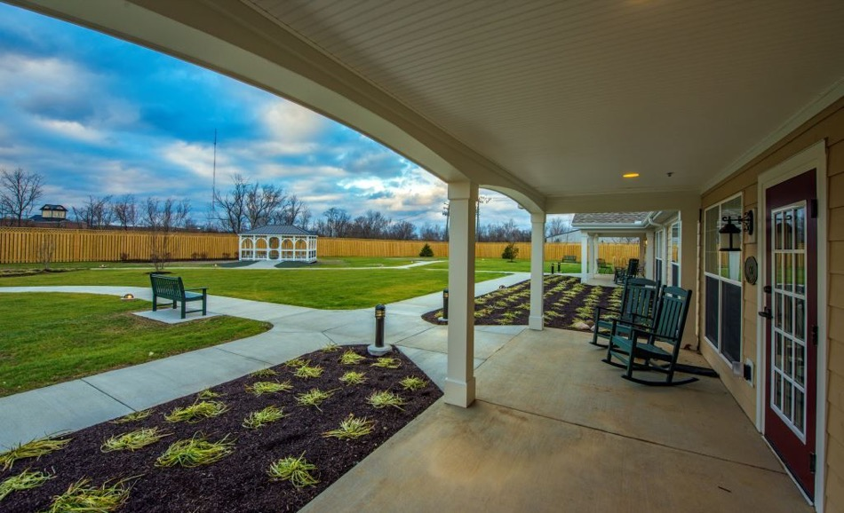 Artis Senior Living of Mason exterior patio