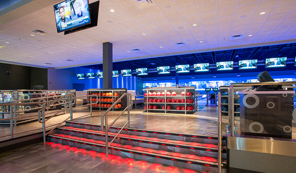 Main Event Entertainment bowling alley