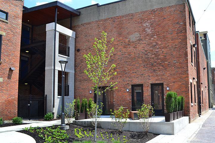Mercer Commons exterior patios