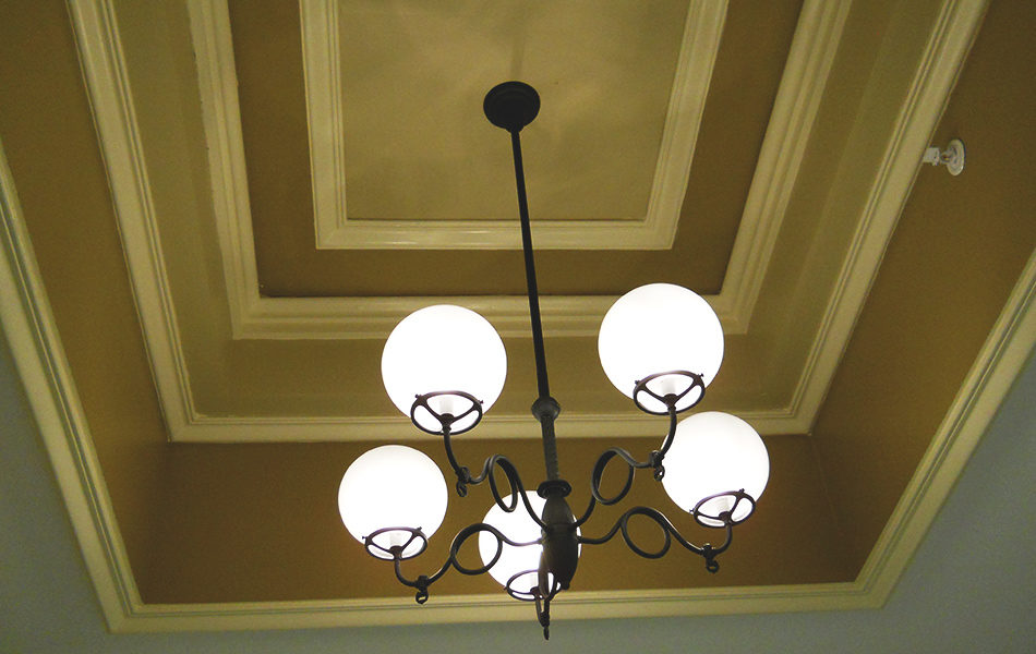 Jefferson County Courthouse ceiling chandelier