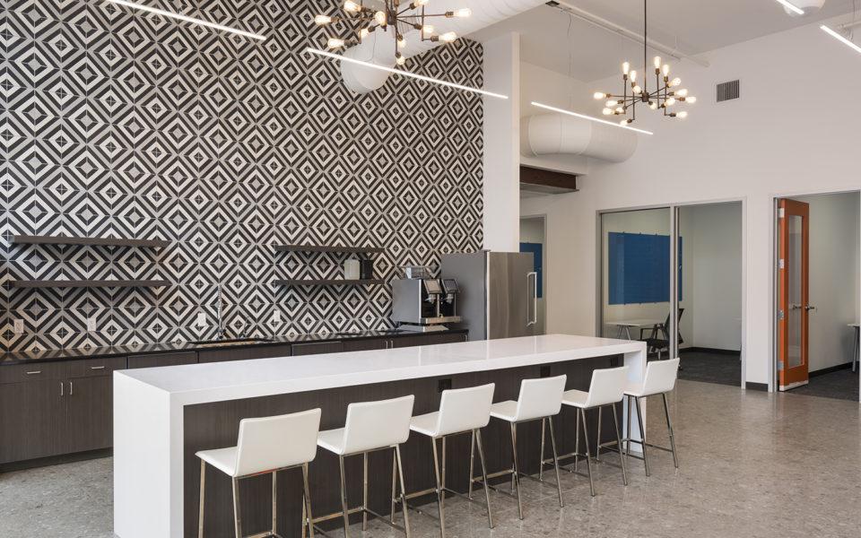 Novel Coworking, kitchen and bar