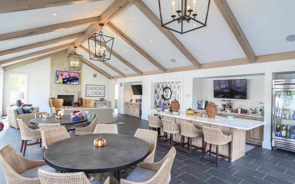 Hyde Park Country Club paddle hut with cozy sitting area and kitchenette