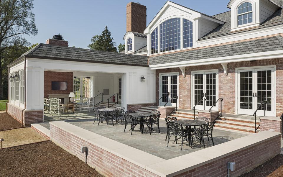 Exterior patio and solarium Meshewa house