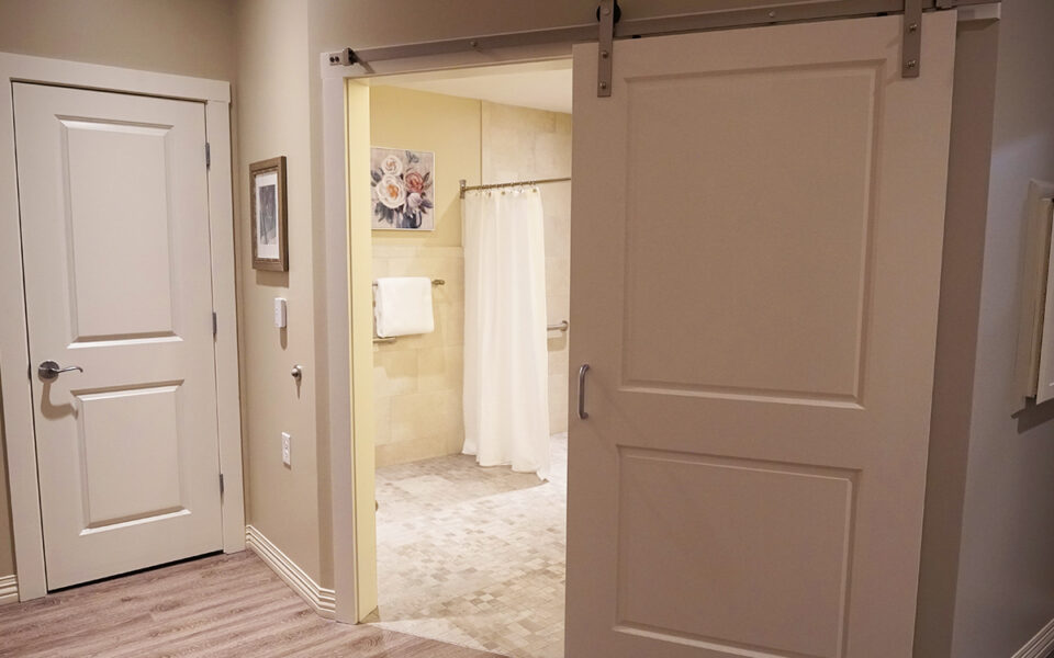 ensuite bathrooms in the Twin Lakes Memory Services wing